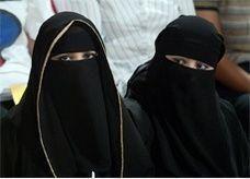 """3 جهات حكومية تنشئ """"شبكات نموذجية"""" لتوظيف المرأة السعودية"""