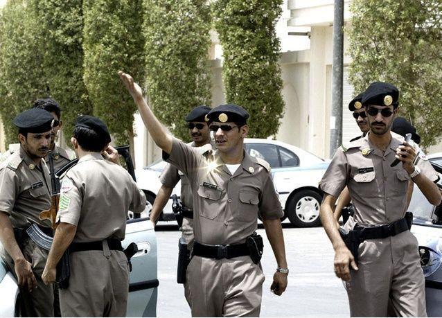 مئات العمال الغاضبين في السعودية يحتجزون 200 إداري بسبب تأخر صرف رواتبهم