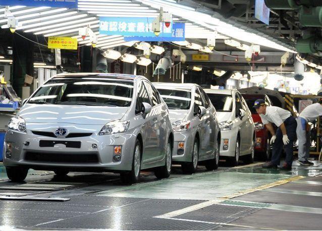 """شركة سعودية تمد """"تويوتا"""" بسجادات صلاة لإرفاقها مع سيارات مصدرة للعالم الإسلامي"""