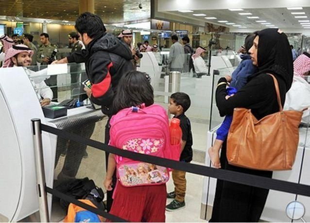 مطار الملك خالد الدولي يبدأ بتفتيش أمتعة النساء لأول مرة بالسعودية