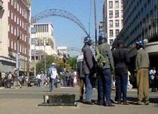 اعتقال عصابة نسائية في زيمبابوي درجت على اغتصاب الرجال