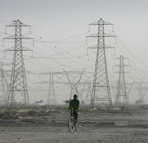 الإمارات تتطلع لجذب استثمارات خاصة في قطاع الكهرباء
