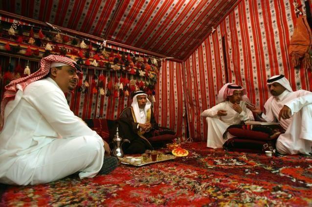 قبيلتان في السعودية تتفقان على الصلح بعد عداء دام أكثر من مائة عام