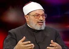 """نقيب الأئمة والدعاة في مصر: سنمنع  """"القرضاوي"""" من الخطابة بالأزهر"""