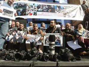 الصحف المصرية تحتج على سيطرة الاخوان المسلمين على المؤسسات الصحفية الحكومية