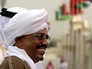 آلاف السودانيين يطالبون برحيل البشير