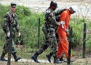 استمرار حبس كويتي في جوانتانامو وتسليم ثان لبلاده