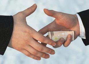 تايلاند تقبض على مختلس 150 مليون دولار من مستخدميه بدبي