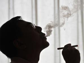 """""""السيجارة الإلكترونية"""" تساعد على الإقلاع عن التدخين"""