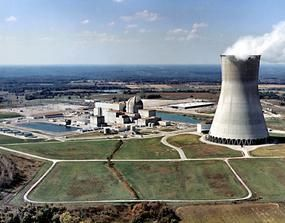 الامارات توقع إتفاقية تعاون في الطاقة النووية مع روسيا