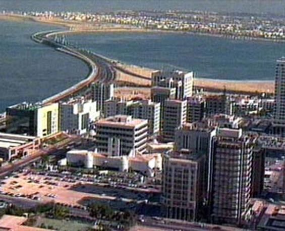 البحرين تخصص أكثر من 500 مليون دولار للمشاريع الإسكانية