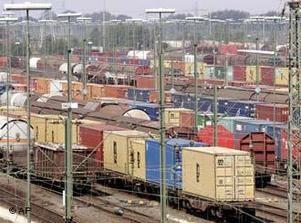 نمو التجارة الخارجية للإمارات خلال النصف الأول من العام