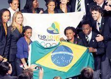 البرازيليون يسخرون من دعوة بيليه لهم لإنهاء الاحتجاجات