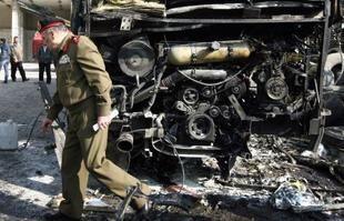 """الشرطة البريطانية تحقق مع جمعية خيرية تدعم """"القاعدة"""" في سورية"""