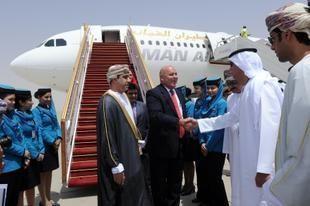 أول رحلة للطيران العُماني إلى مطار العين الدولي