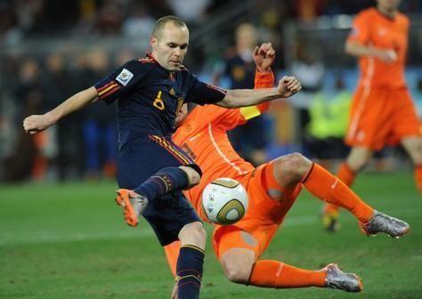 انييستا افضل لاعب في يورو 2012