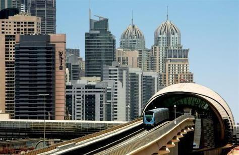 الإمارات الأولى إقليمياً في جودة البنية التحتيه للمواصلات