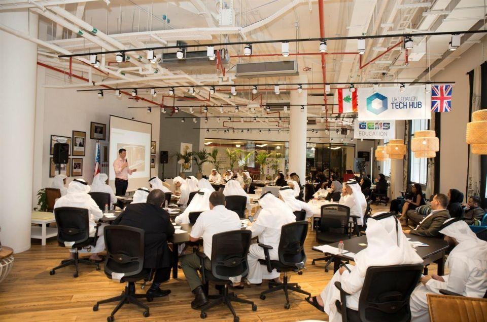 """""""دبي 10x"""" و""""حاضنة الأعمال العالمية 1776"""" تطلقان برنامج""""التشريعات التنظيمية"""""""