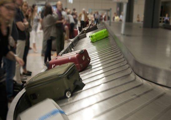 بريطانيا تنضم لأمريكا في حظر الإلكترونيات على متن طائراتها