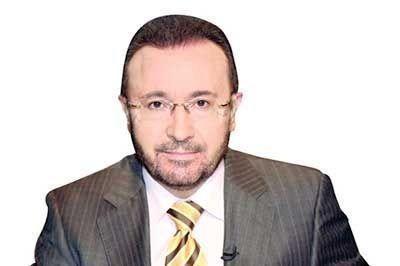 """مذيع """"شهير"""" يروج لخدماته للساسة العرب للفوز بـ """"اللعبة التلفزيونية""""!"""