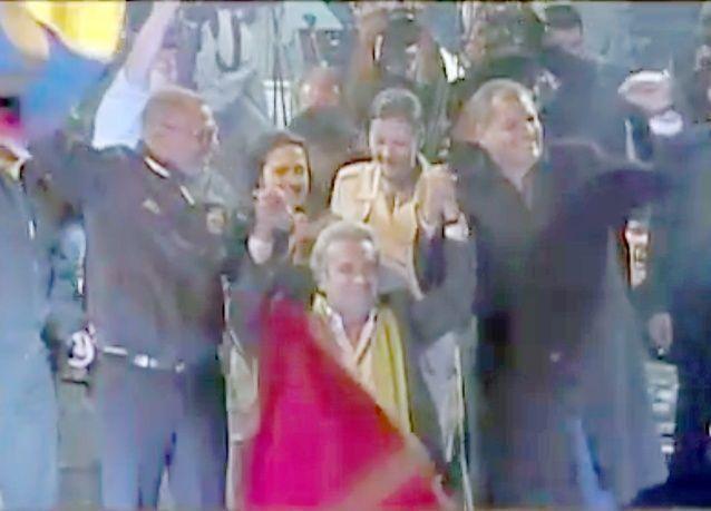 مورينو يصبح أول رئيس دولة على كرسي متحرك