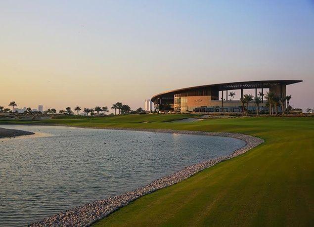بالصور :  نجلا ترامب يفتتحان ملعبا للجولف يحمل اسم الرئيس الأمريكي في دبي