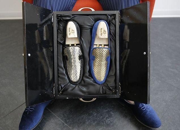 بالصور : مصمم أحذية إيطالي يقدم منتجاته بالذهب.. ويستهدف الخليجيين