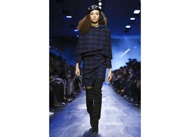 """بالصور : شاهدي أزياء """"Dior"""" لخريف وشتاء 2017 – 2018"""