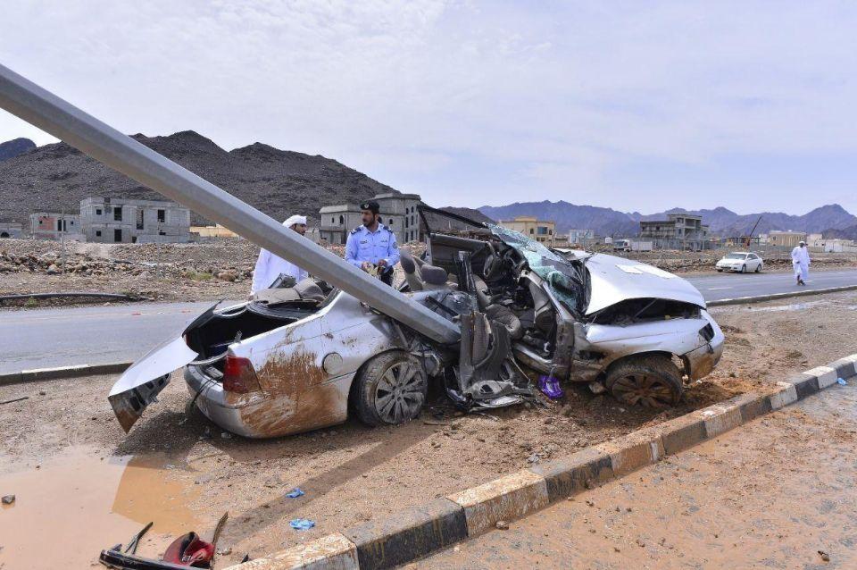الإمارات: وفاة 3 مواطنين بحادث سير في مدينة خورفكان صباح اليوم