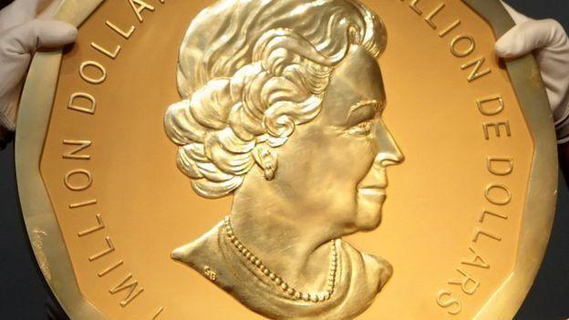 100 كيلوغرام ذهب وزن قطعة نقدية سرقت اليوم من متحف برلين
