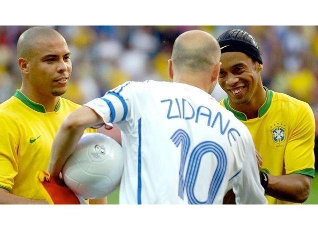 بالصور : أفضل 10 لاعبين في تاريخ كرة القدم