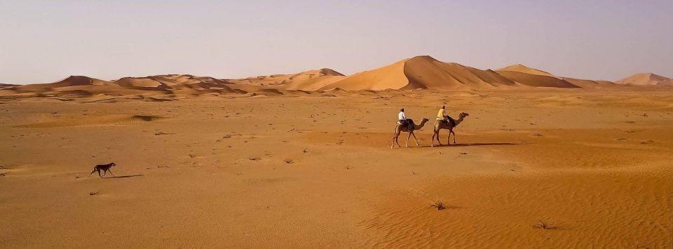 رحالة فرنسي يستكشف صحارى سلطنة عمان
