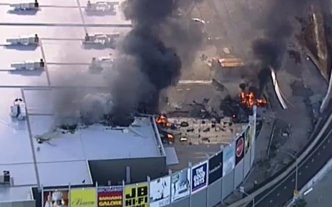 تحطم طائرة فوق مركز تسوق ومقتل 5 في ملبورن