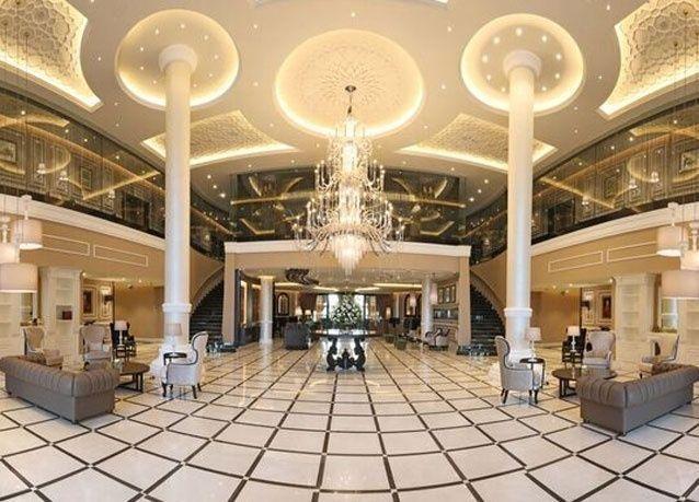 فندق ديوكس دبي الفاخر في نخلة جميرا يفتتح أبوابه رسمياً