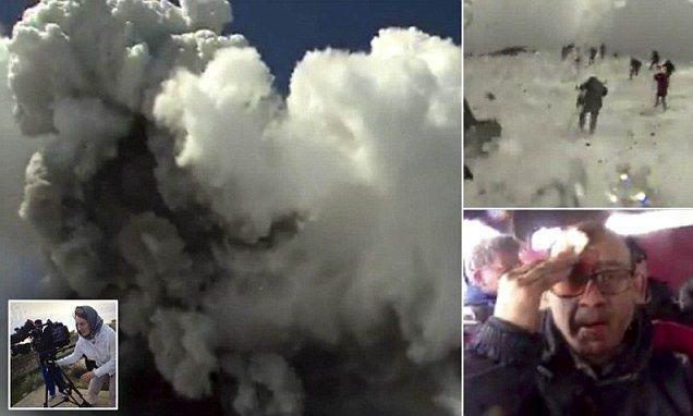 """اصابة 10 أشخاص في انفجار فوهة بركان """"اتنا"""" بجزيرة صقلية الايطالية"""
