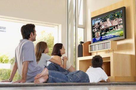 دراسة : دعك من التلفزيون ووجبات المطاعم لتتجنب البدانة