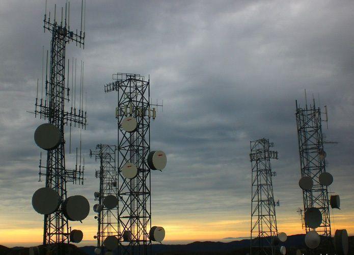 الاتصالات السعودية وموبايلي تسعيان لتعيين مستشار في خطة لدمج أبراج اتصالات