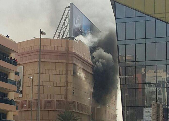 السيطرة على حريق في مركز لامسي بلازا بدبي