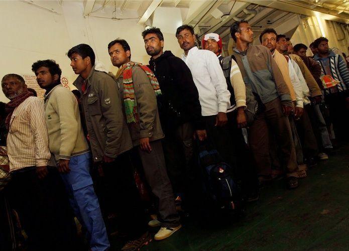 حزم أمني ينتظر الوافدين المخالفين في السعودية