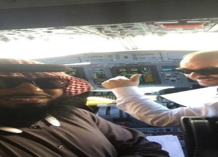 مواطن سعودي يتحول إلى شخصية هامة على طائرة.. بالصدفة
