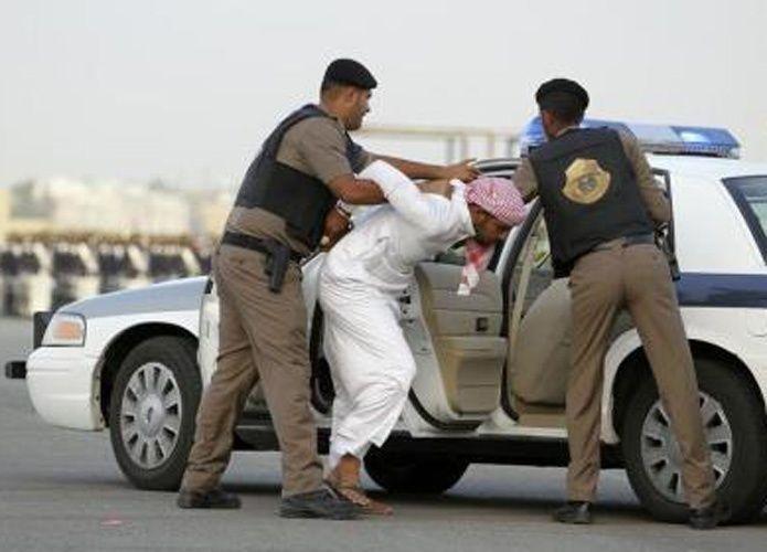 سعودي يقتل زوجته ويخفي جثتها