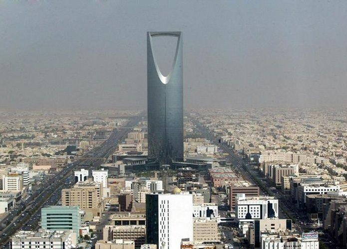 الرياض تهون من خفض تصنيف السعودية الائتماني