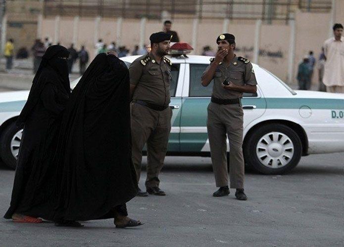 معلمات سعوديات يتمكن من طرد رجل اقتحم مدرستهن