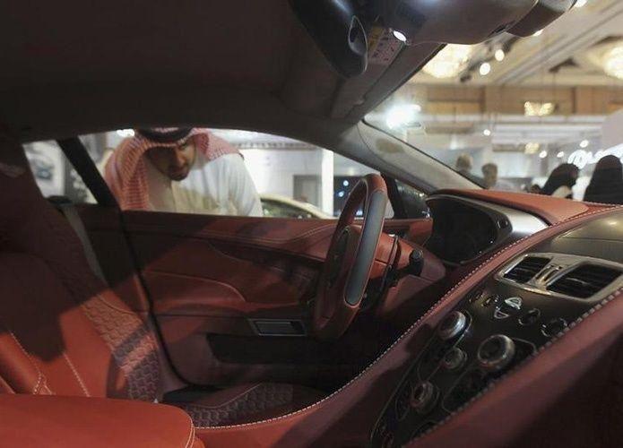 الرياض وتويوتا توقعان مذكرة تفاهم لدراسة جدوى إنشاء مصنع سيارات في السعودية