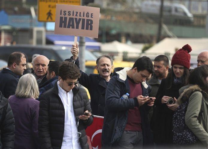 المغتربون الأتراك يتوجهون إلى صناديق الاقتراع في استفتاء سيغير وجه البلاد