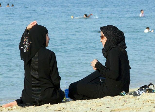 السياحة الحلال.. خالية من الحكول وشواطئ نسائية