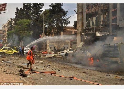 المرصد السوري: صواريخ المعارضة تقتل 19 في حلب وتصيب مستشفى