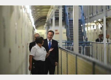 في سبتمبر، سجناء بريطانيا طلقاء عدا يوم العطلة الأسبوعية