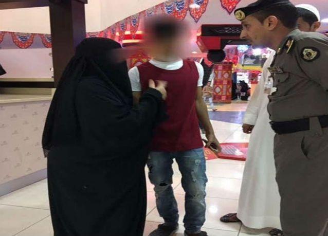 """بالصور : توقيف 50 شخصا في مكة بسبب ملابس """"خادشة للحياء"""""""