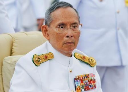 سنة فترة الحداد على وفاة ملك تايلند عن 88 عاما